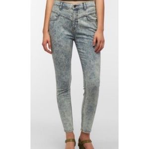 UO BDG Acid Wash High Rise Seam Jean